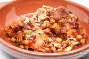 vegetarische ovenschotel met zoete aardappel kikkererwten en feta