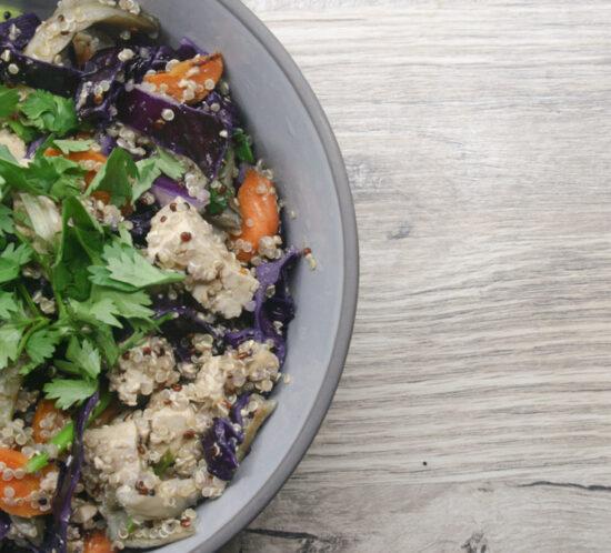 Thaise tofu- quinoasalade met rode kool en oesterzwam