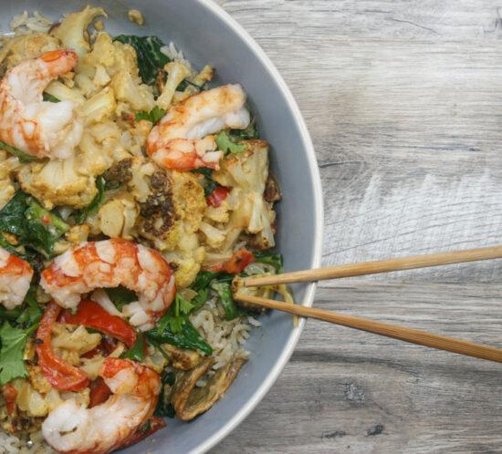 Curry van bloemkool en scampi